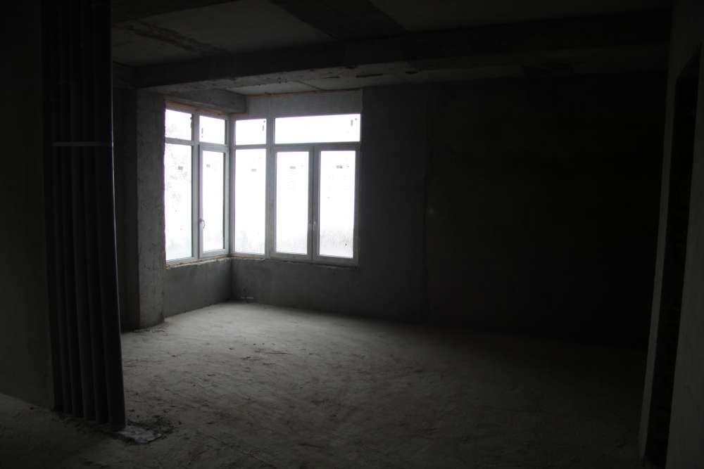 Большая двухкомнатная квартира в новом доме. 4