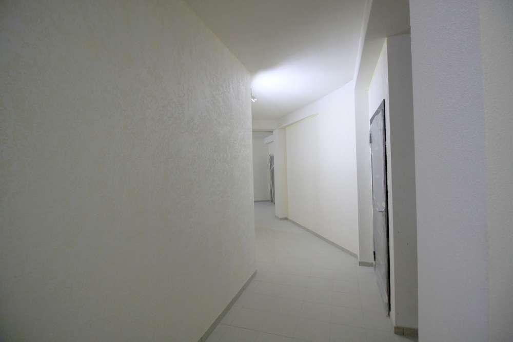 Большая двухкомнатная квартира в новом доме. 10