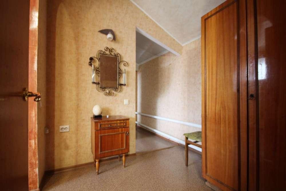 Трехкомнатная квартира в районе Поликуровского холма 9