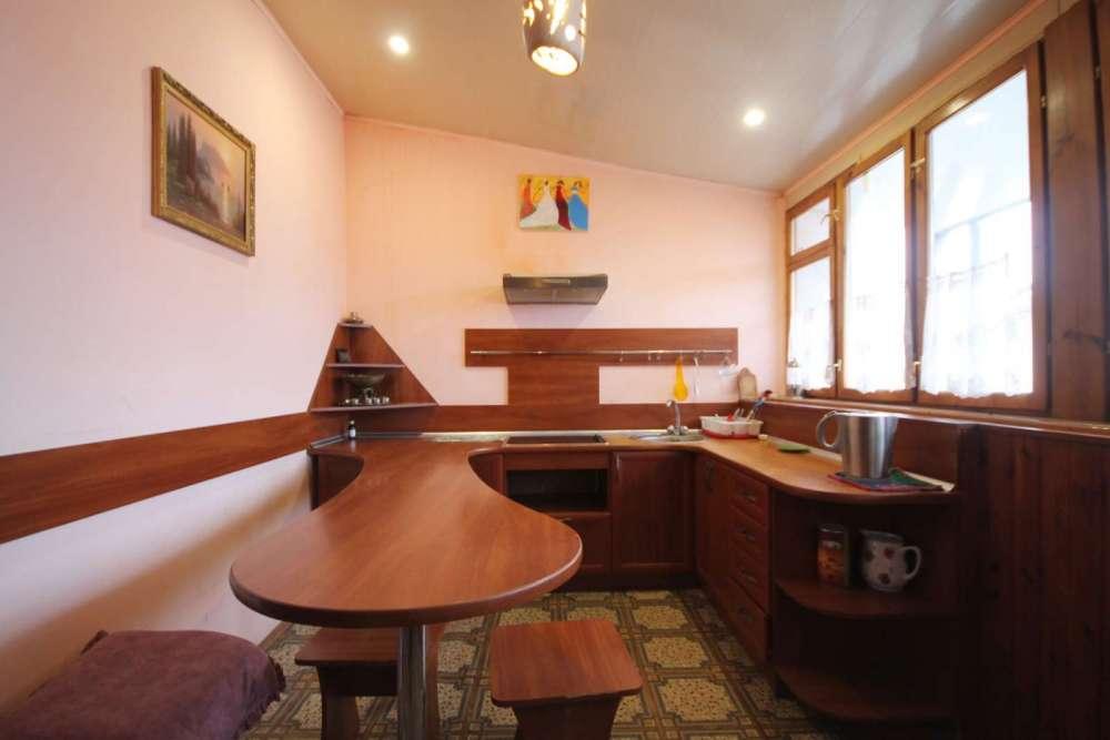 Трехкомнатная квартира в районе Поликуровского холма 10