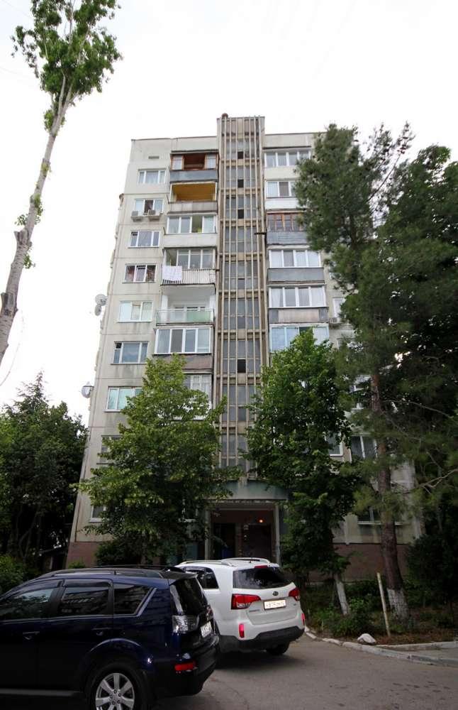3-хкомнатная квартира в хорошем районе возможна ипотека 15