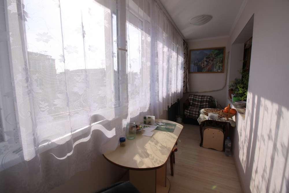 Двухкомнатная квартира с хорошим ремонтом в Гаспре 8