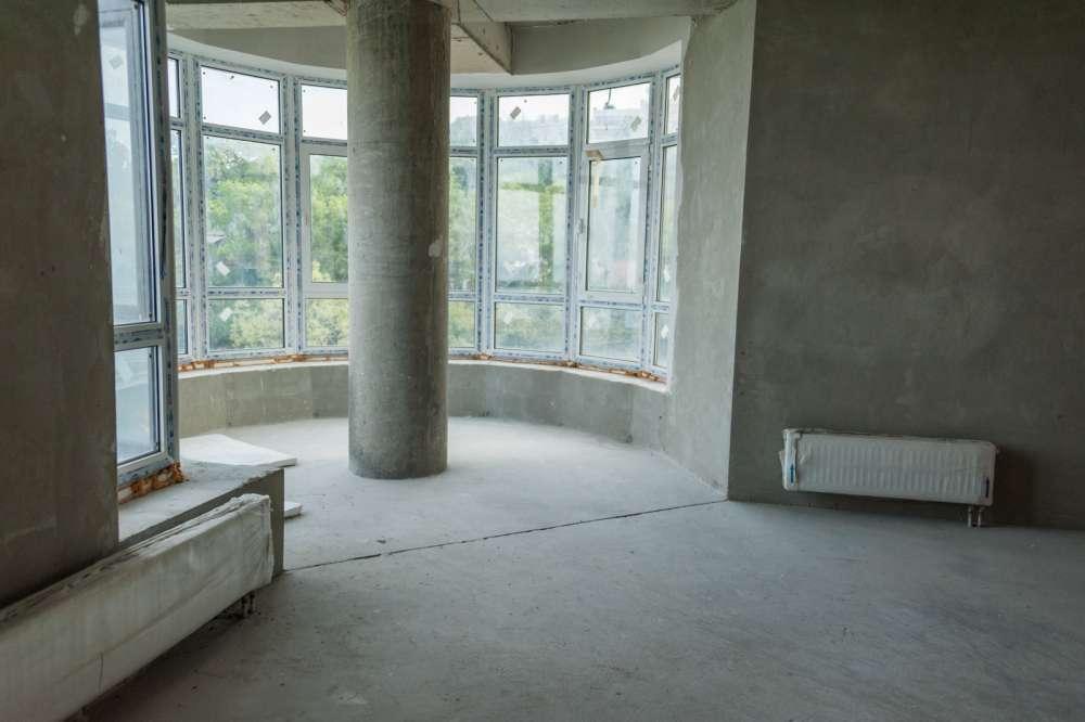 Просторная трехкомнатная квартира в тихом районе Ливадии 4