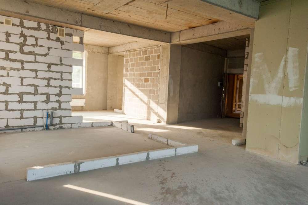 Просторная трехкомнатная квартира в тихом районе Ливадии 7
