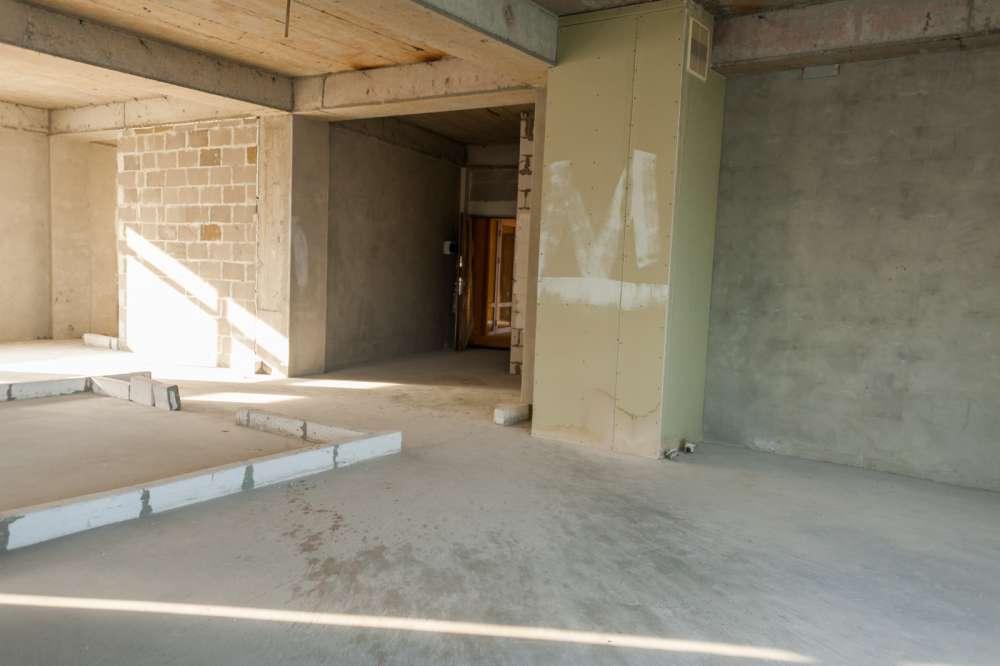 Просторная трехкомнатная квартира в тихом районе Ливадии 8