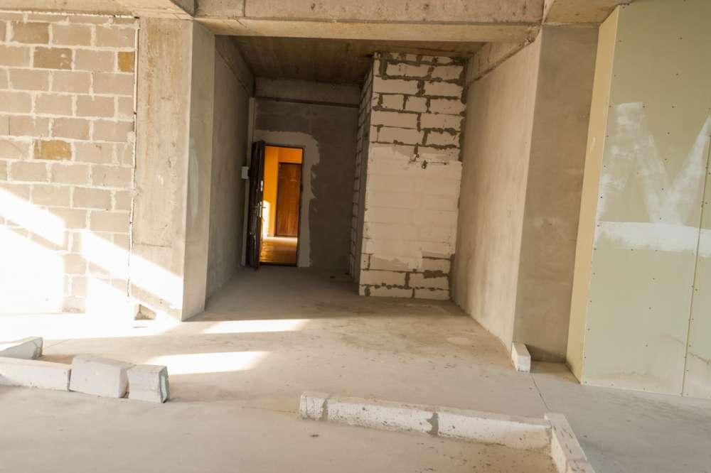 Просторная трехкомнатная квартира в тихом районе Ливадии 9