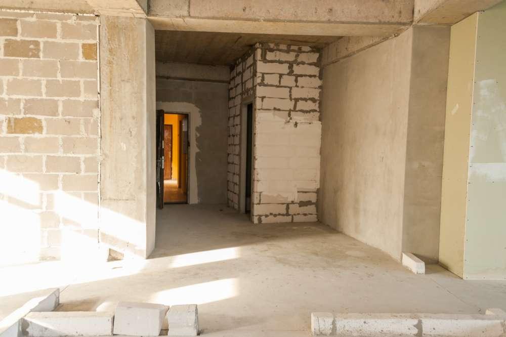 Просторная трехкомнатная квартира в тихом районе Ливадии 10