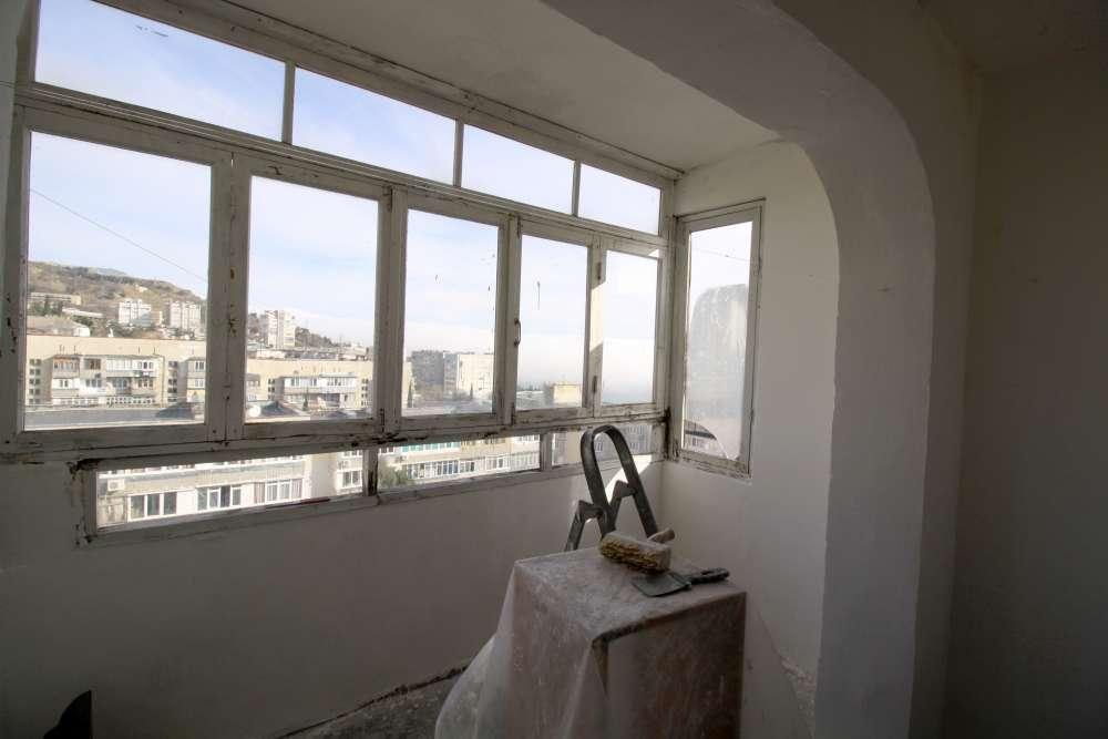 Видовая двухкомнатная квартира в Гаспре 15