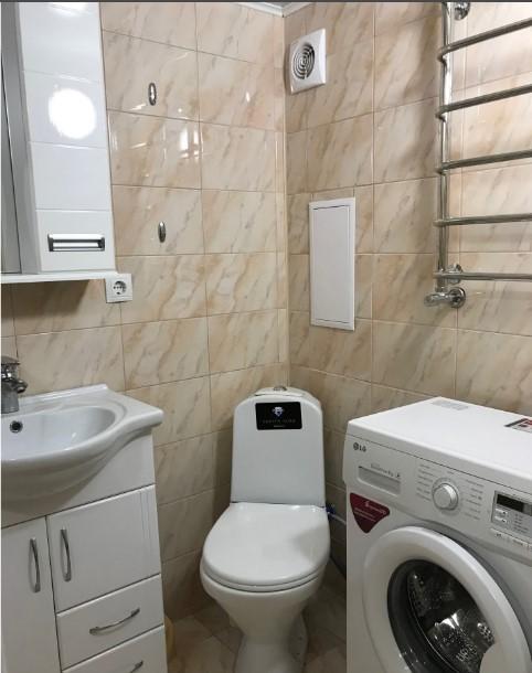 Уютная двухуровневая однокомнатная квартира в Ялте 10