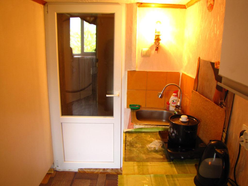 Недорогая квартира-студия в Ялте 13