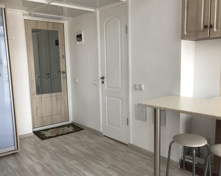 Уютная двухуровневая однокомнатная квартира в Ялте 18