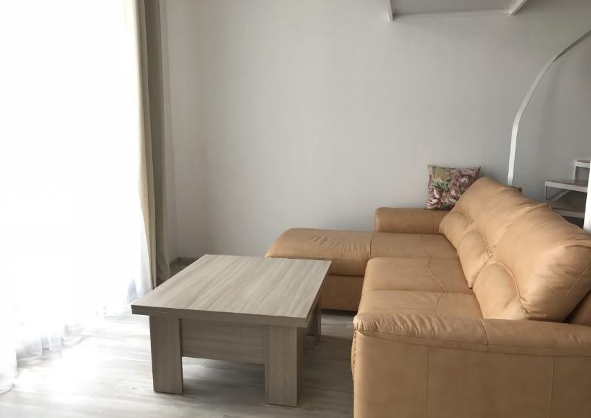 Уютная двухуровневая однокомнатная квартира в Ялте 4