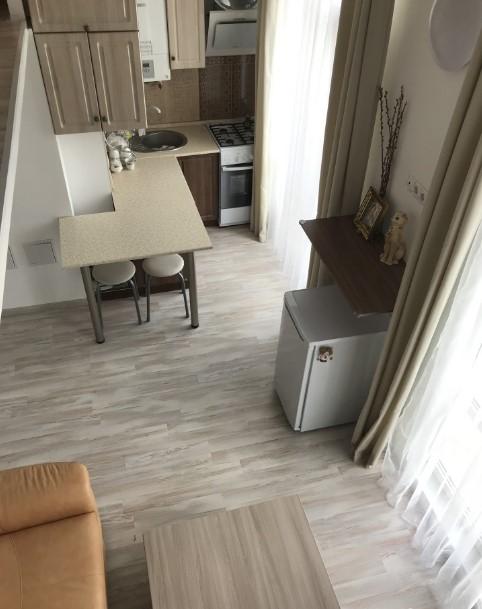 Уютная двухуровневая однокомнатная квартира в Ялте 5