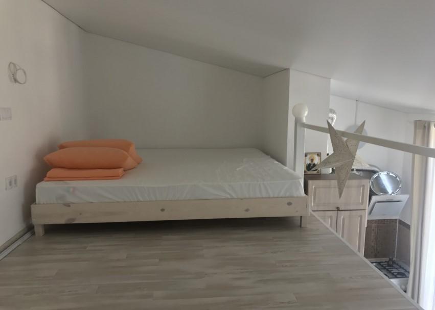 Уютная двухуровневая однокомнатная квартира в Ялте 8