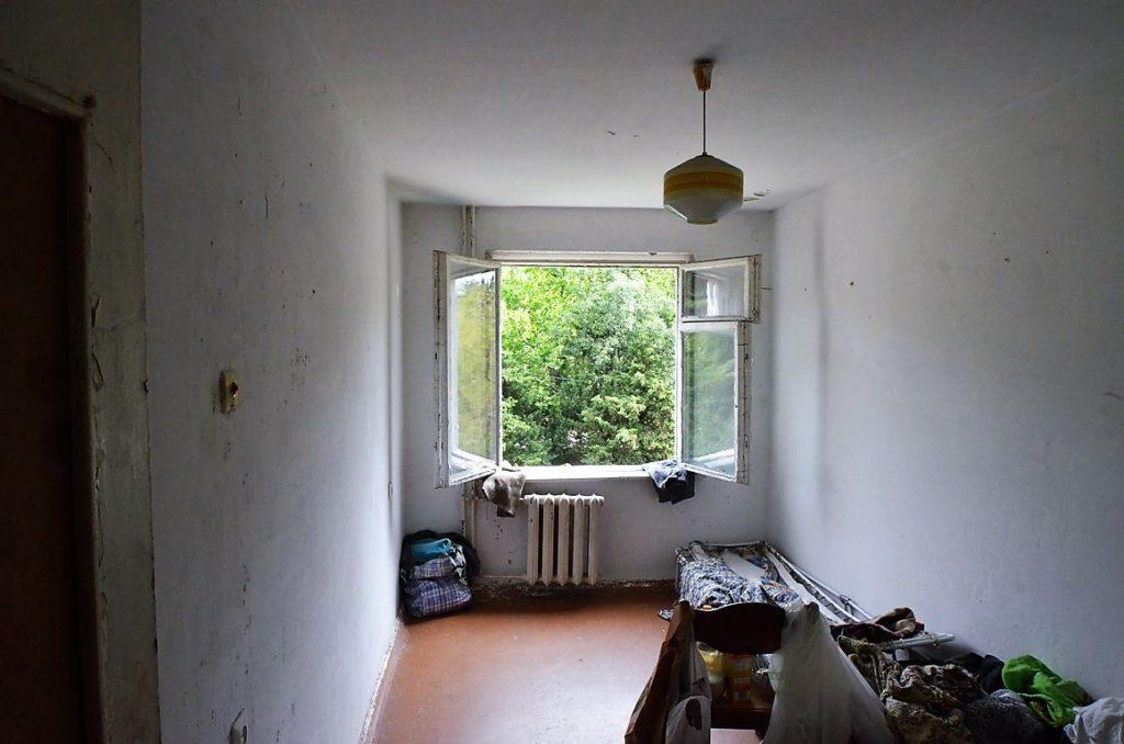 Видовая двухкомнатная квартира под ремонт в Ялте 1