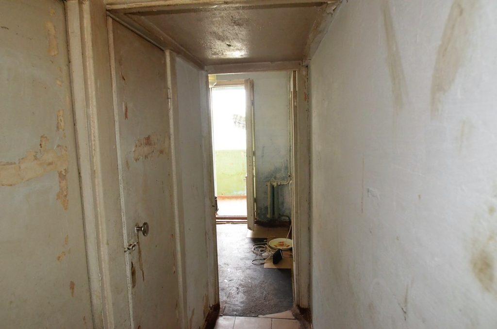 Видовая двухкомнатная квартира под ремонт в Ялте 5