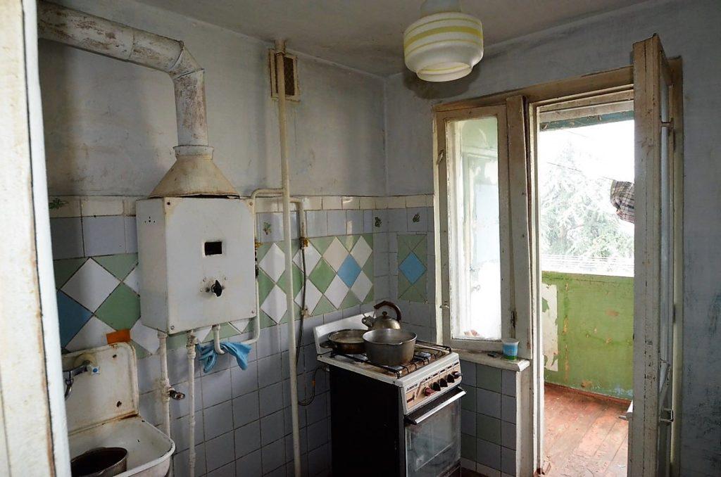 Видовая двухкомнатная квартира под ремонт в Ялте 6