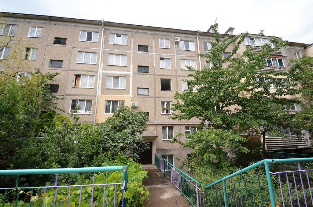 Видовая двухкомнатная квартира под ремонт в Ялте 12