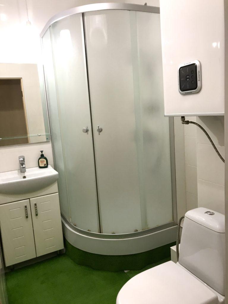 Однокомнатная квартира с ремонтом улучшенной планировки в Ялте 3