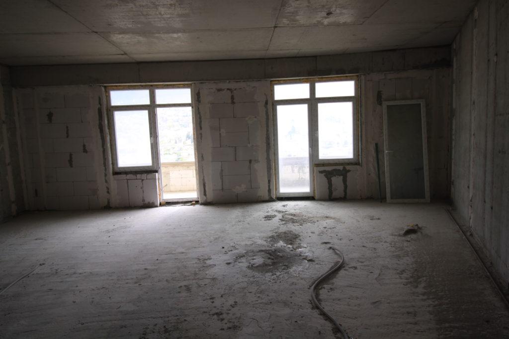 Двухкомнатная квартира с видом на море и просторным балконом в новом доме 8