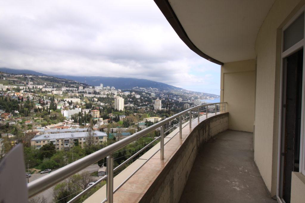 Двухкомнатная квартира с видом на море и просторным балконом в новом доме 1