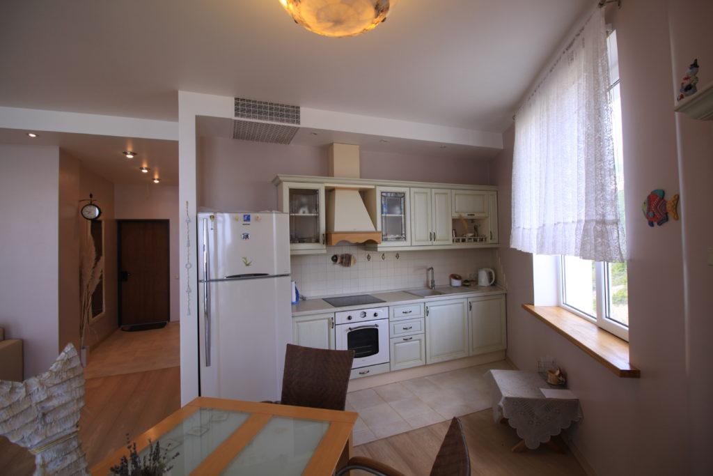 Двухкомнатная квартира в Гурзуфе 10