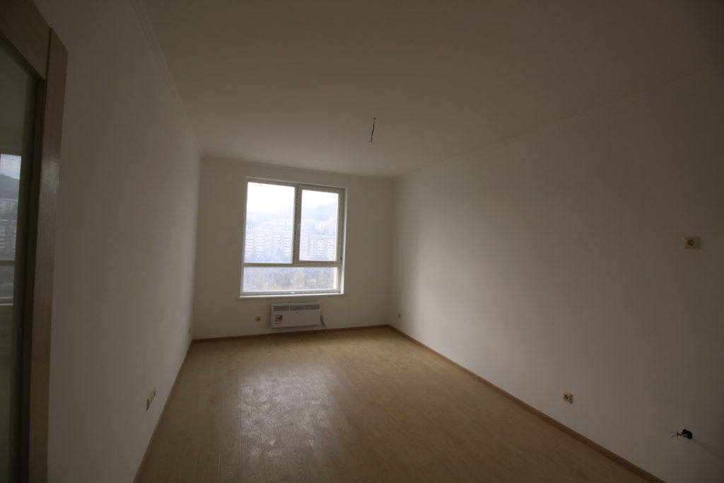 Квартира с ремонтом в ЖК Алмаз 7