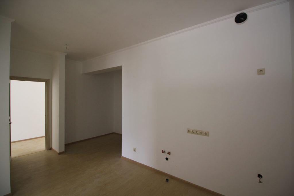 Двухкомнатная квартира в Алмазе 3