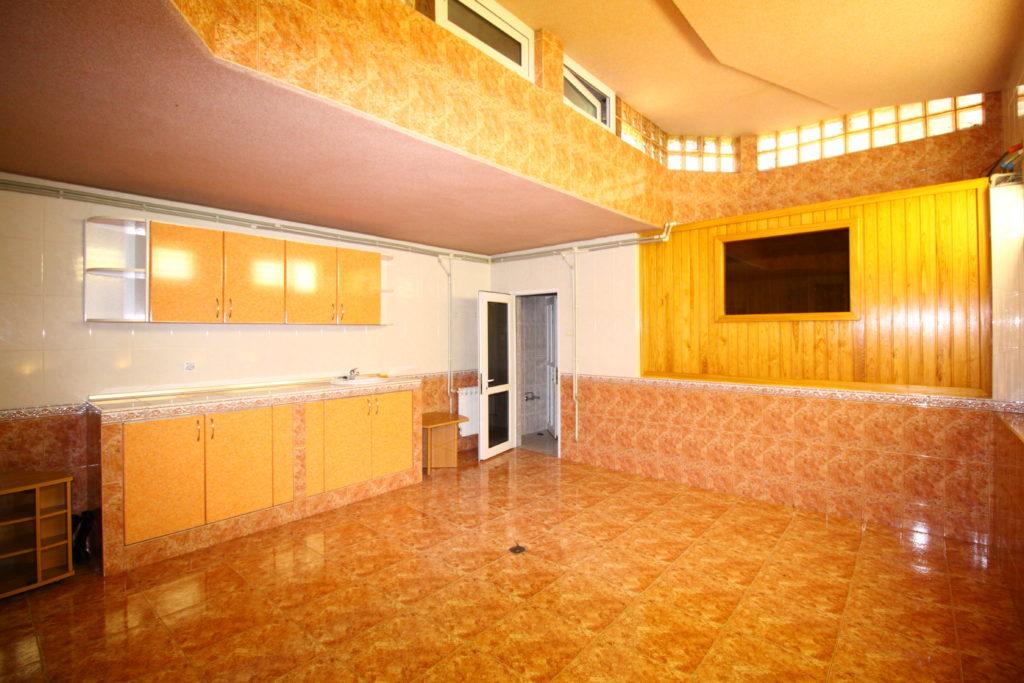 4х комнатная квартира в центре Ялты 18