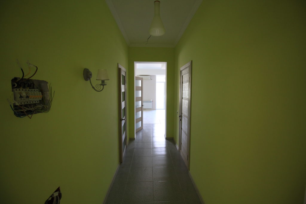 Квартира с готовым ремонтом в ЖК Шато Лувр 7