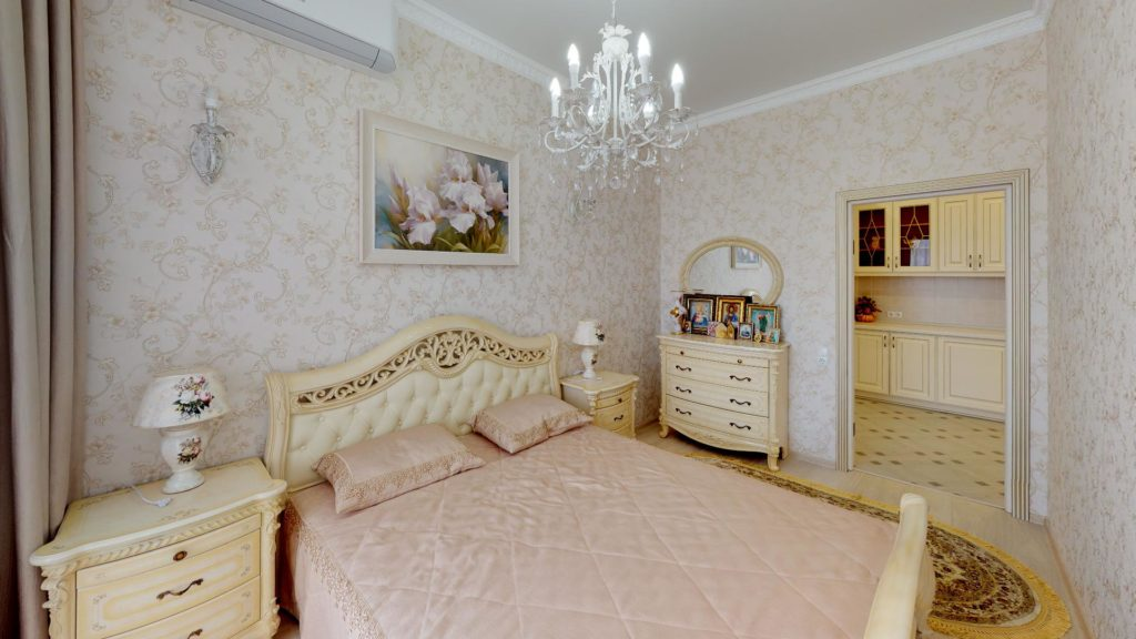 3х комнатная квартира в центре Ялты 10