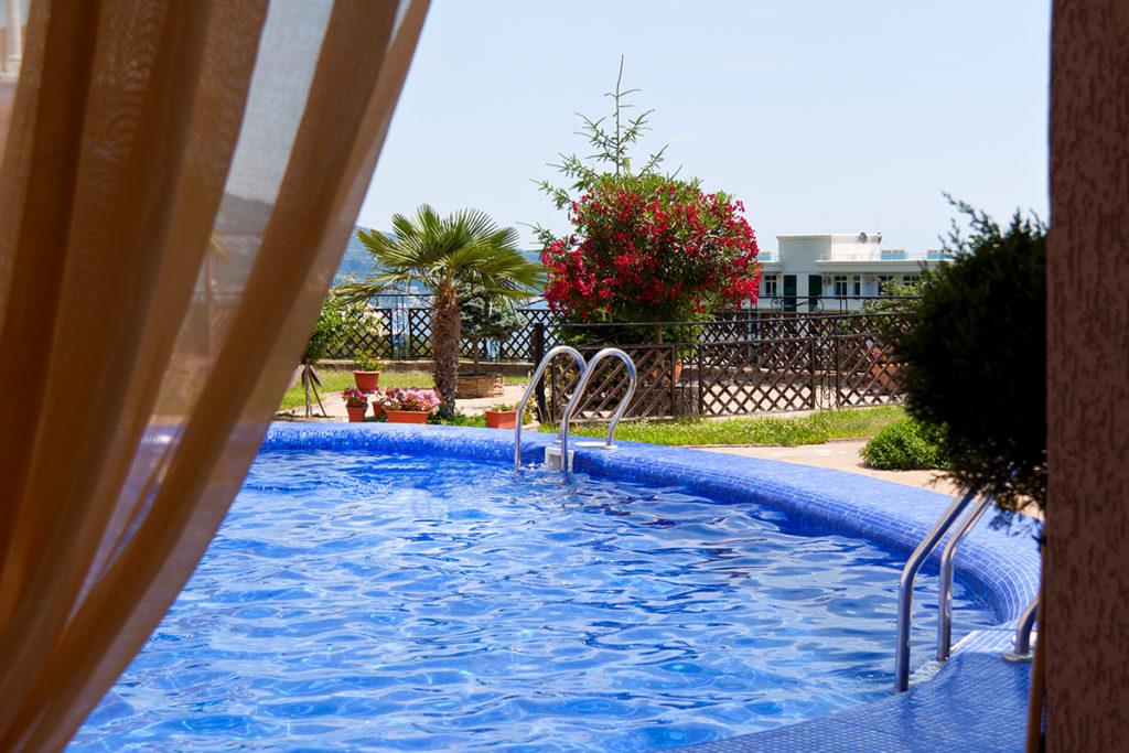 Резиденция в Ливадии 3