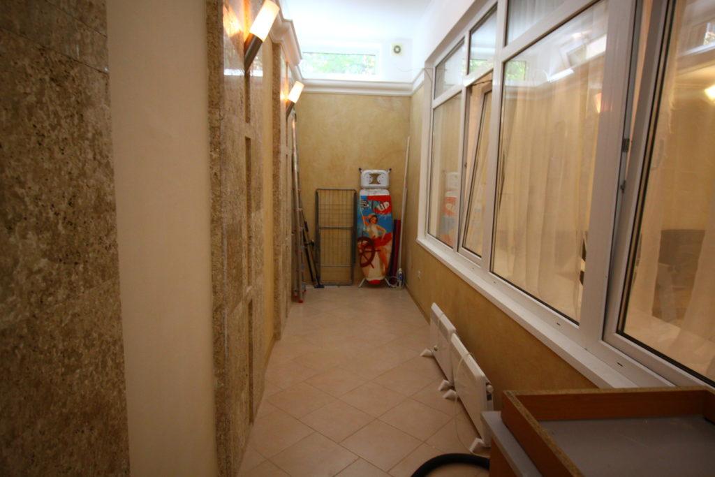 Трехкомнатная квартира в центре Ялты 5