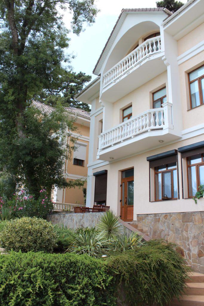 Дом трехэтажный 1