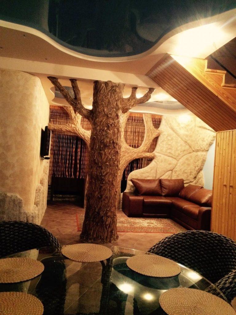 Дом в лесу, Долоссы 19