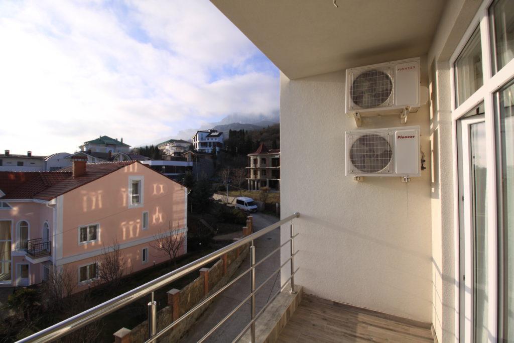 Квартира с видом на море пгт. Кореиз 13