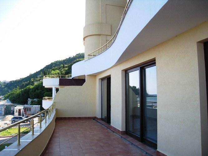 Роскошные апартаменты с дизайнерским современным интерьером 29