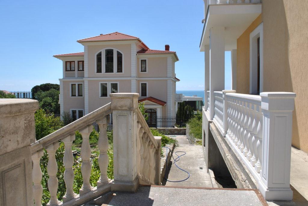 Продается 3-х этажный дом в Средиземноморском стиле 4