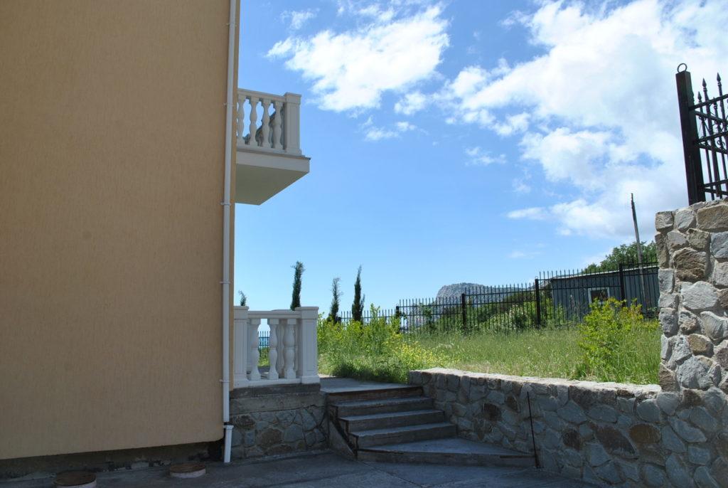 Продается 3-х этажный дом в Средиземноморском стиле 6