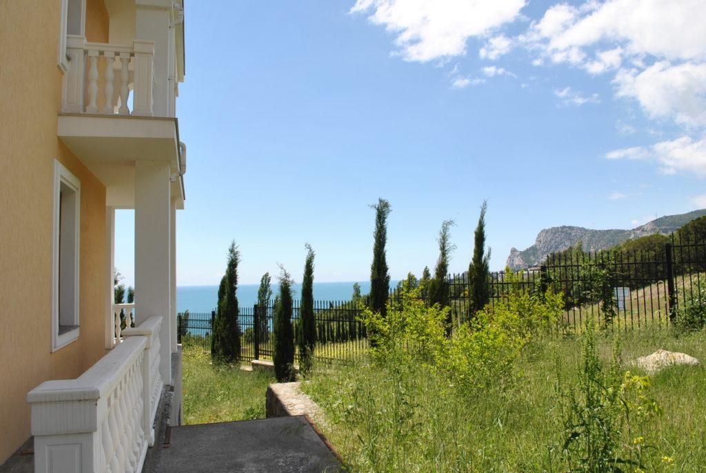 Продается 3-х этажный дом в Средиземноморском стиле 2