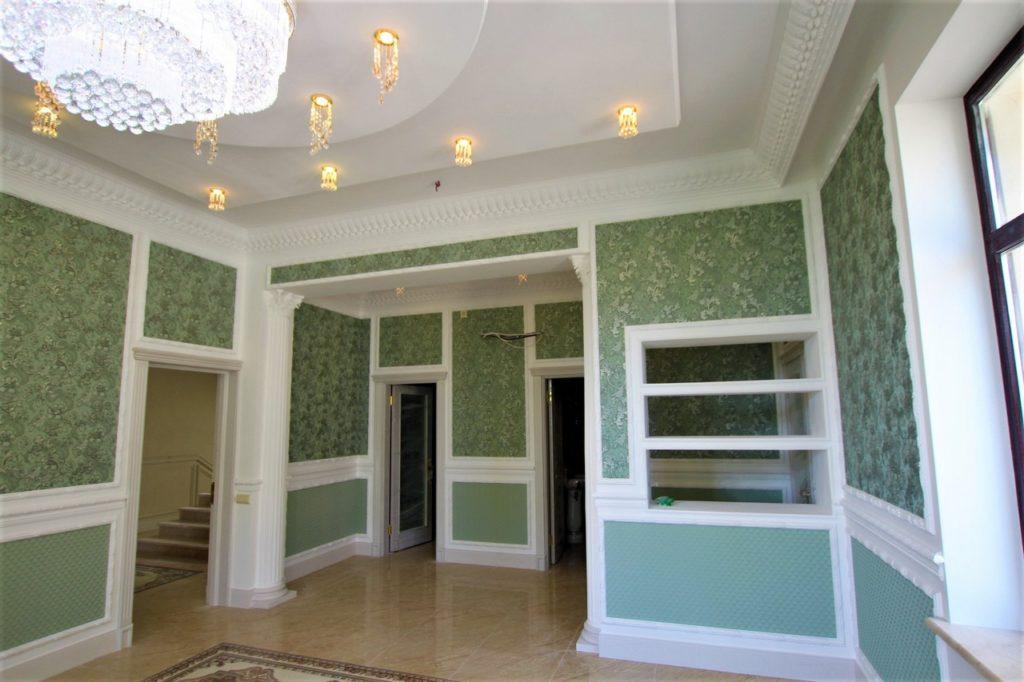 Дом расположен в окружении Крымских сосен 7