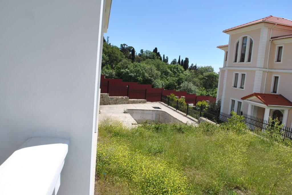 Продается 3-х этажный дом в Средиземноморском стиле 8