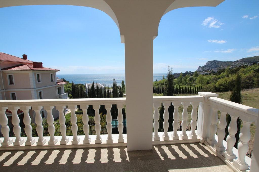 Продается 3-х этажный дом в Средиземноморском стиле 10