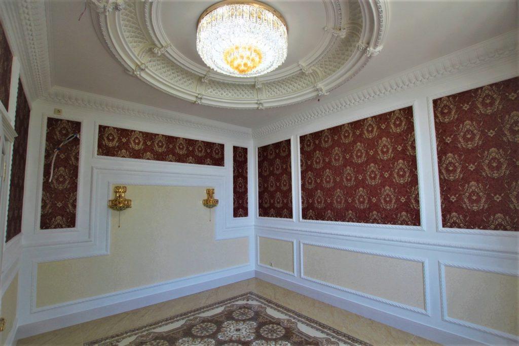 Дом расположен в окружении Крымских сосен 10