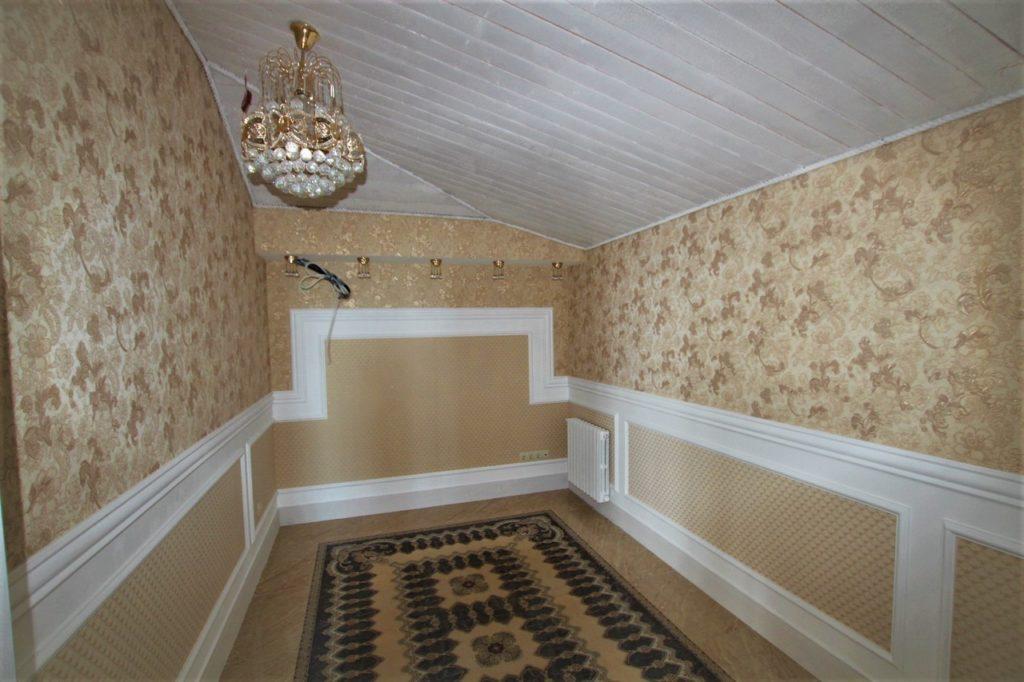 Дом расположен в окружении Крымских сосен 34