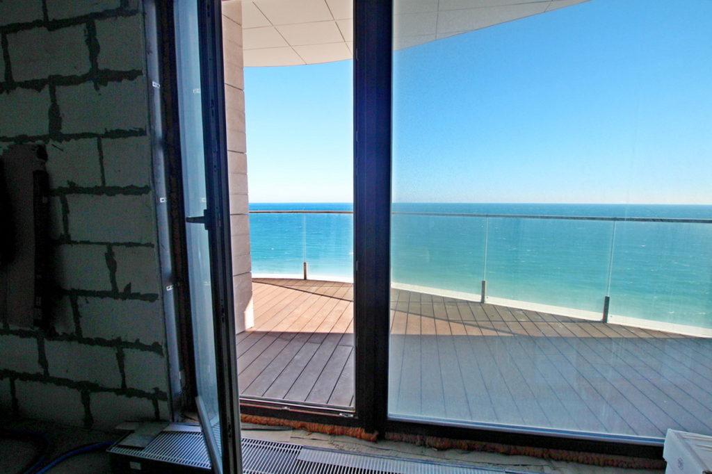 Просторные апартаменты у моря 5