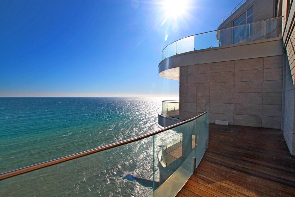 Просторные апартаменты у моря 12