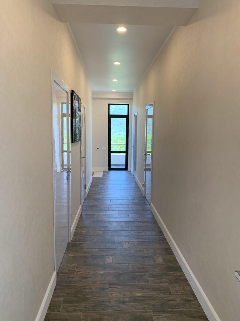 Купить новый дом с отделкой в Ялте на участке 5 соток 24