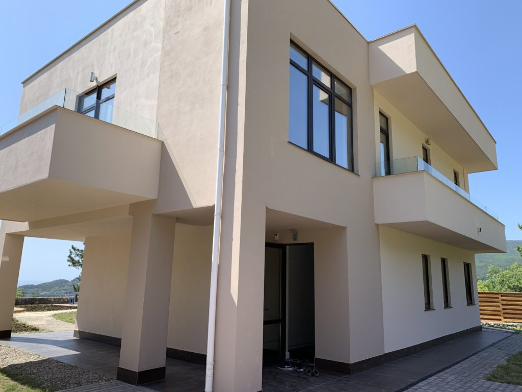 Купить новый дом с отделкой в Ялте на участке 5 соток 32