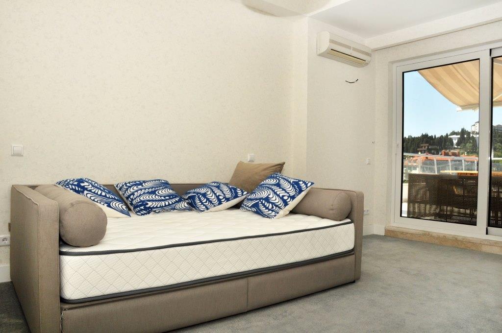 Современные 3-х комнатные апартаменты с лучшим видом на море и город 23
